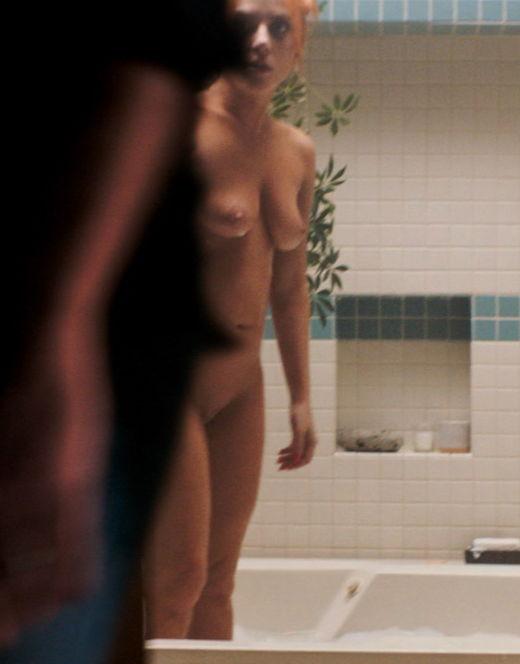 Голая Леди Гага на эротических кадрах из кино