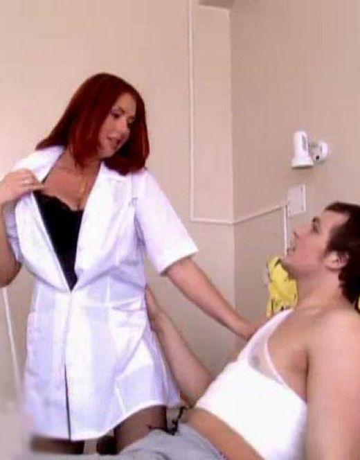 Янина Бугрова в нижнем белье из сериала «Студенты»