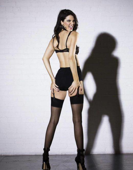 Кендалл Дженнер в нижнем белье (попа, ножки)