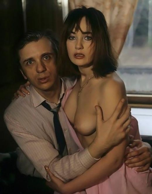 Голая Лариса Гузеева на кадрах из кино (18+)