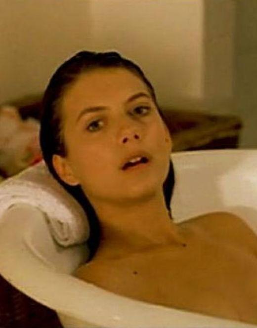 Обнаженная Мелони Лоран на кадрах из кино