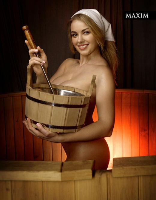 Голая Олеся Фаттахова на горячих фото из «Максим»