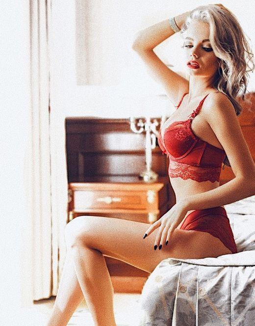 Екатерина Шкуро в нижнем белье