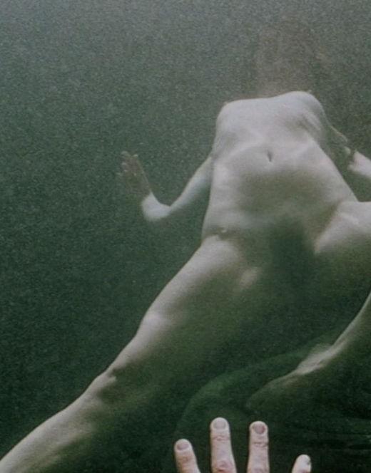 Кадры голой Джульетт Льюис под водой из фильма «Блуберри»