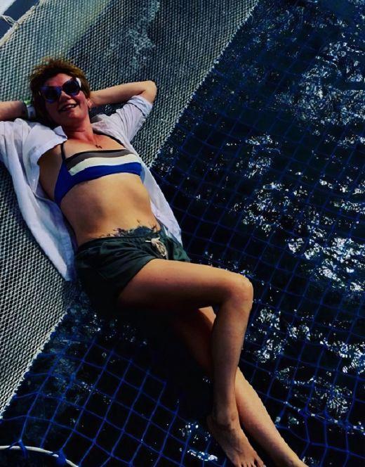 Анна Ардова на фото в купальнике