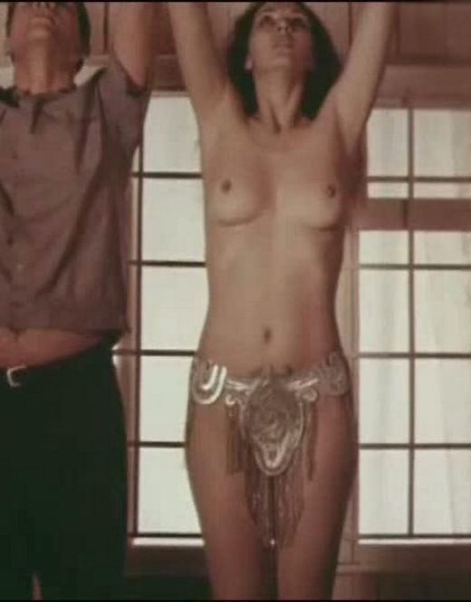 Татьяна Лютаева топлесс на горячих кадрах из кино