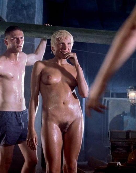 Полностью голая Ирина Рахманова из фильма «9 рота»