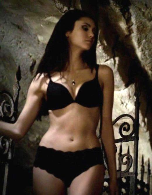 Эротические кадры с Ниной Добрев в нижнем белье из кино
