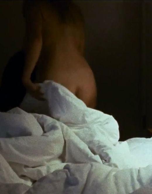 Горячие кадры Анны Михалковой из фильма «Связь»