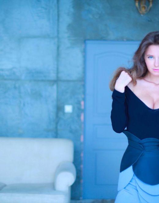 Горячие фото Костеневой из журналов