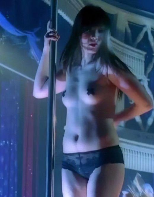 Голая Пом Клементьефф на эротических кадрах из фильмов