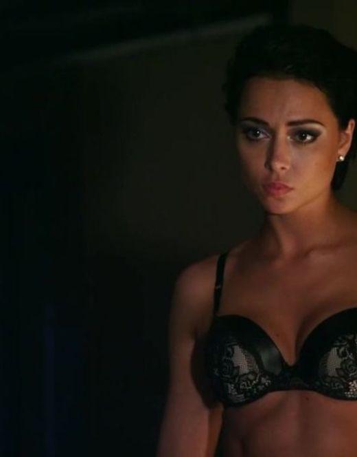 Настасья Самбурская в нижнем белье из сериала «Две жены»
