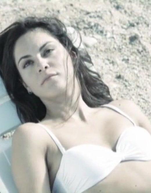 Марина Коняшкина в купальнике из сериала «Дети Водолея»