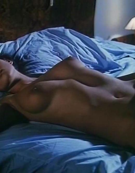 Голая Моника Беллуччи на эротических кадрах из кино