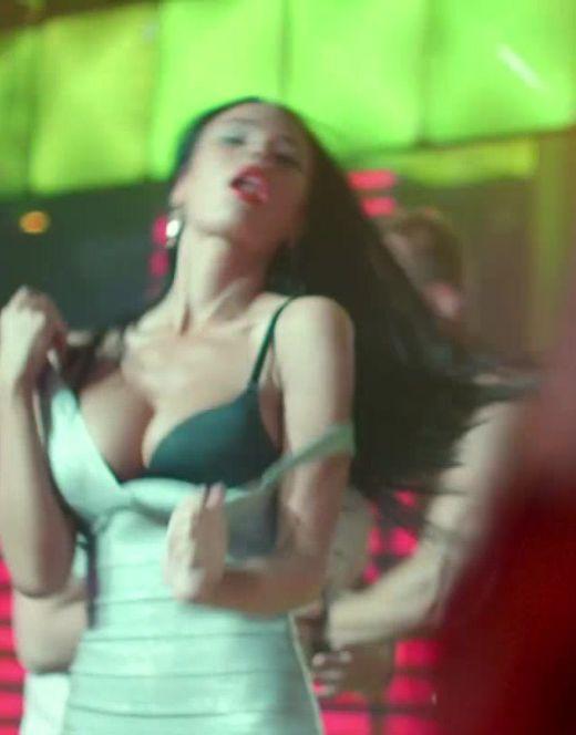 Эротические сцены с Яной Кошкиной из фильма «Одноклассницы»
