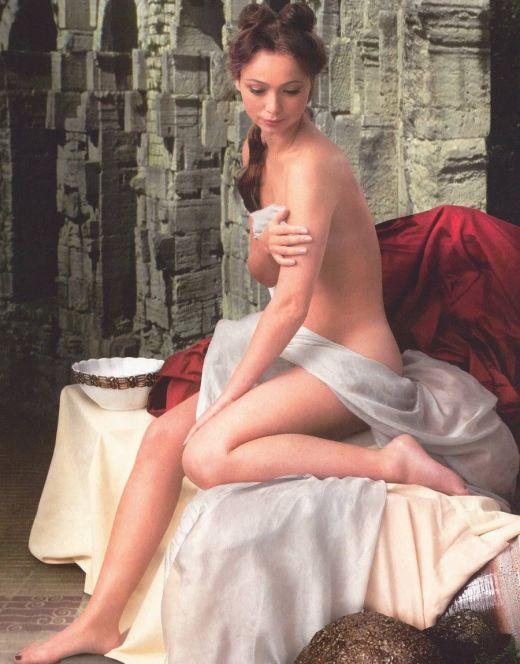 Горячее фото Елены Захаровой из журнала «Караван историй»