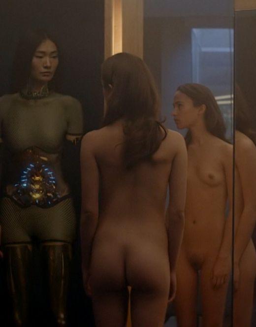 Голая Алисия Викандер на эротических кадрах из кино