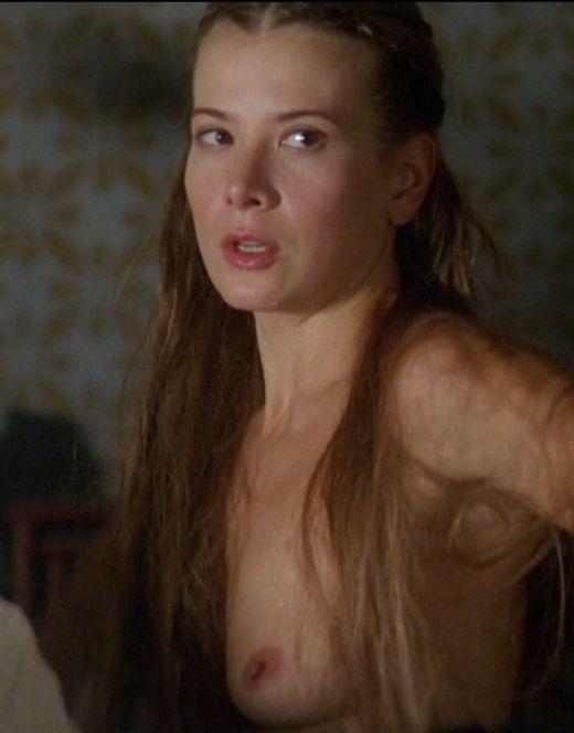 Голая грудь Юлия Высоцкая из фильма «Лев зимой»