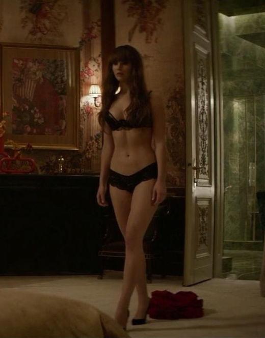 Голая Дженнифер Лоуренс в постельных сценах из фильма «Красный воробей»