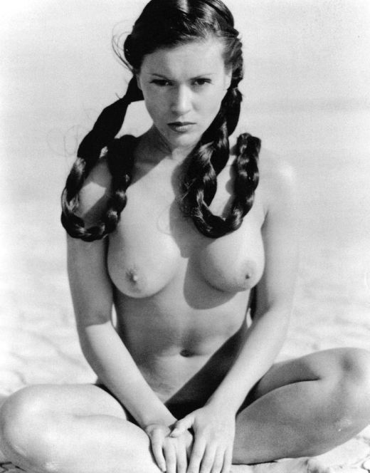 Горячие фото Алиссы Милано в молодости из журналов (голая грудь)
