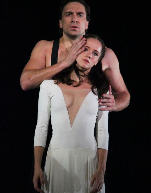 Горячие фото Ольги Лерман из театра (засветы)