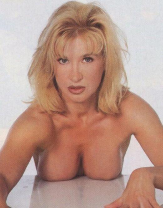 Горячие фото голой Синтии Ротрок из Playboy