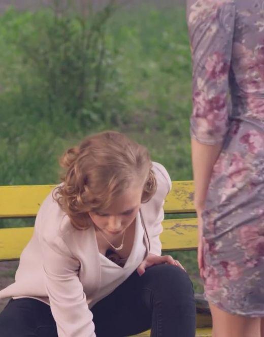 Обнажённая Анна Кошмал на эротических кадрах из других фильмов