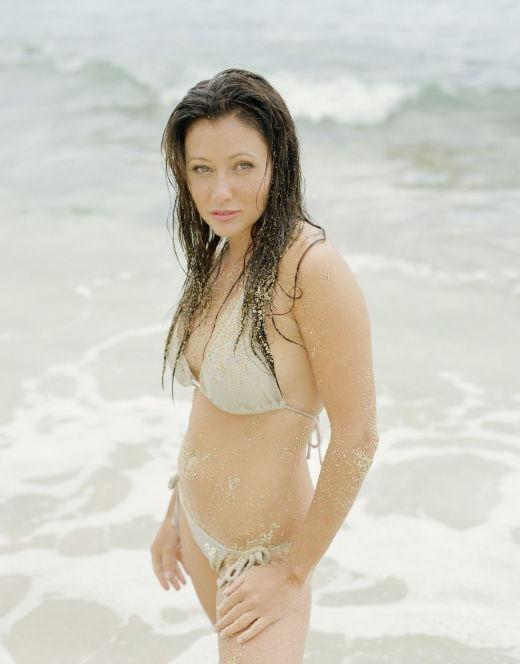 Шеннен Доэрти на фото в купальнике