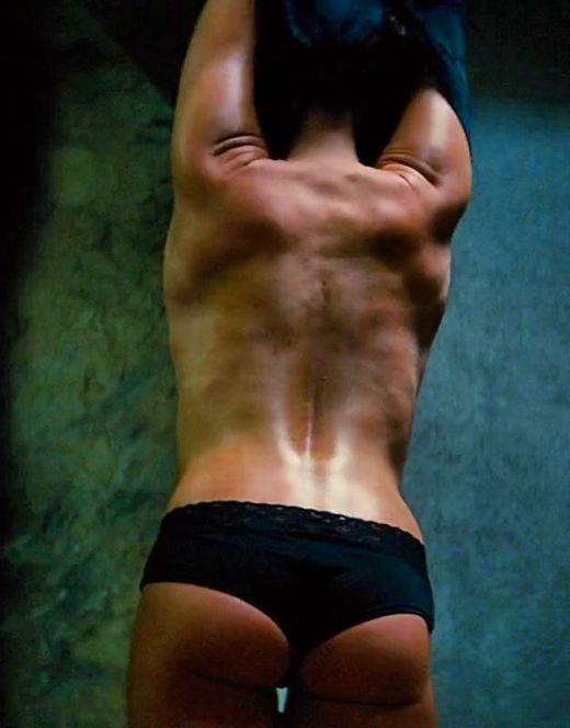 Ребекка Фергюсон в нижнем белье и купальнике на кадрах из других фильмов