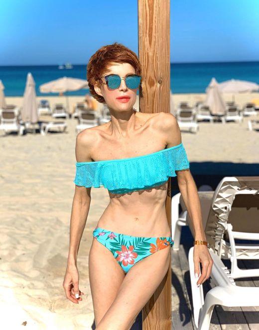 Елена-Кристина Лебедь на фото в купальнике
