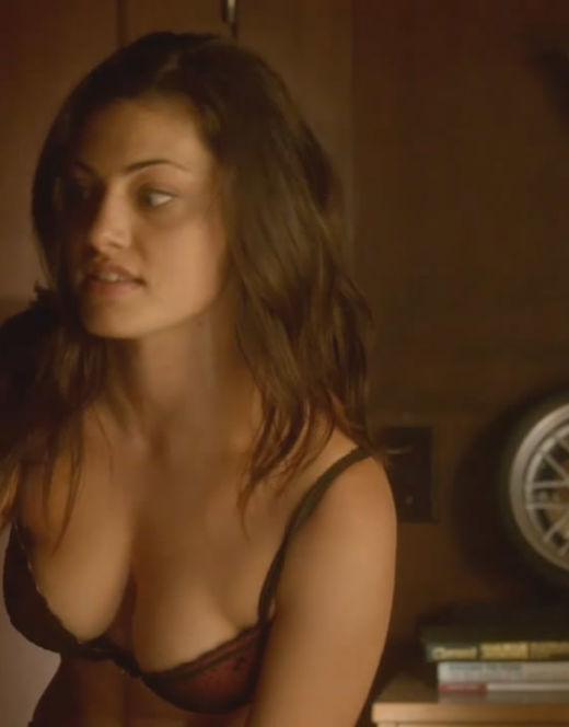 Фиби Тонкин на эротических кадрах из кино