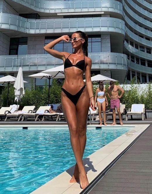 Горячие фото Тамары Турава в купальнике