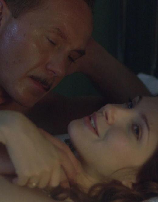 Обнажённая Анастасия Макеева на эротических кадрах из кино