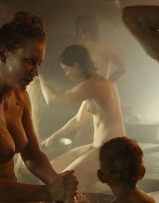 Юлия Пересильд в стиле ню из фильма «А зори здесь тихие»