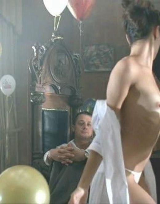 Горячие кадры обнажённой Елены Подкаминской из кино