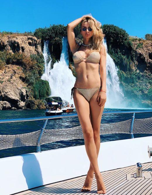 Светлана Лобода на фото в купальнике