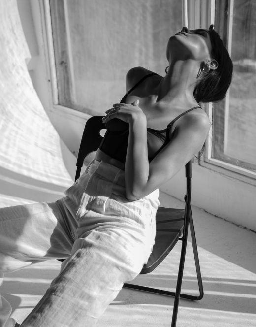 Александра Власова на горячих фото в нижнем белье