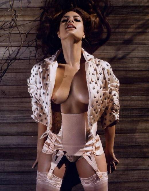 Обнаженная Ева Мендес на горячих фото из Vogue