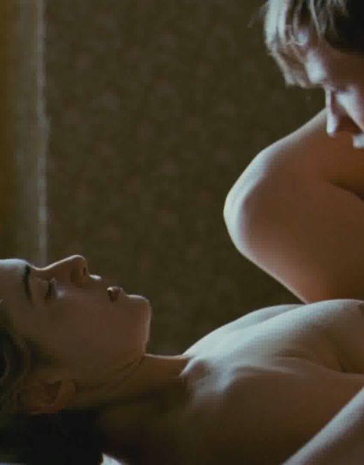 Голая Кейт Уинслет в постельных сценах из кино