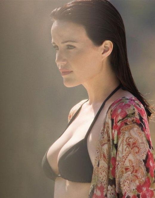 Карла Гуджино на фото в купальнике (засветы)