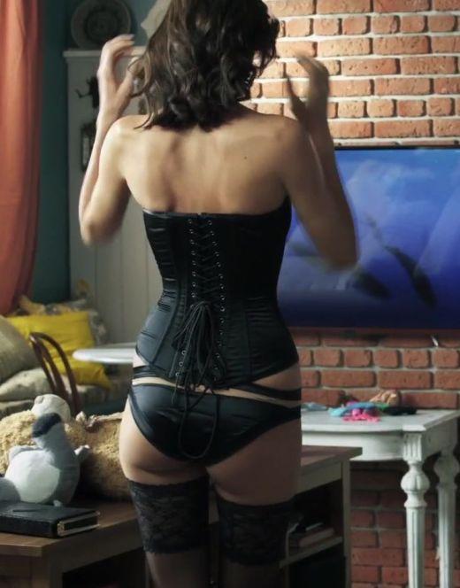 Ирина Антоненко в нижнем белье из фильма «Сюрприз для любимого»