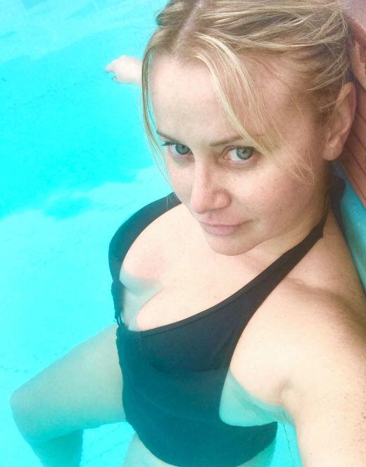 Ольга Сидорова на фото в купальнике