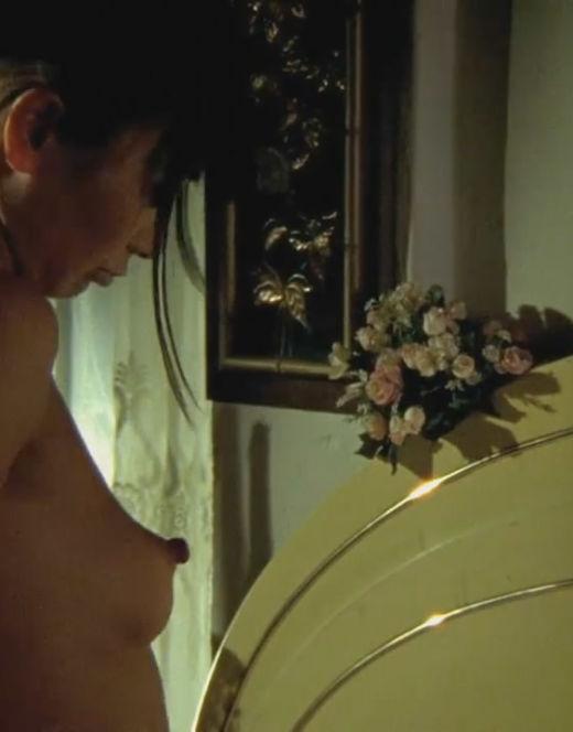 Эротические кадры с голой Бай Лин из фильмов