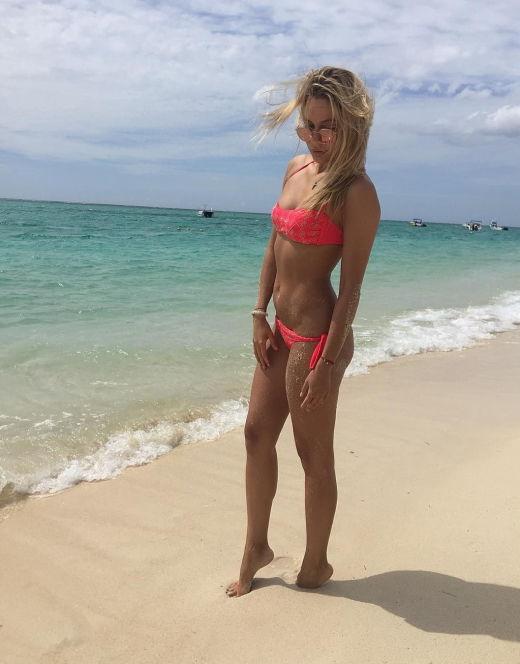 Наталья Рудова в купальнике
