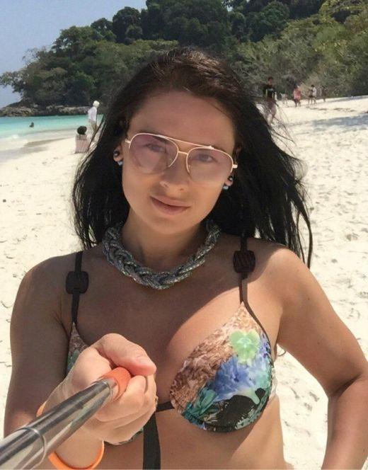 Ирина Гладкая на фото в купальнике