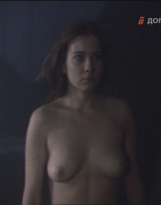 Горячие кадры Юлии Высоцкой из фильма «Пойти и не вернуться»