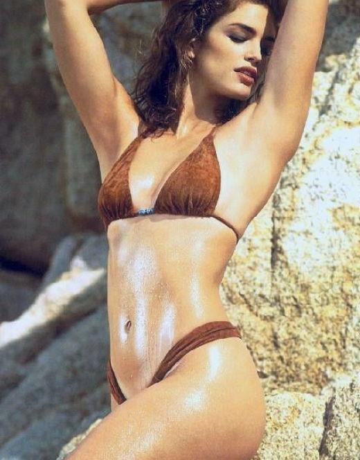 Синди Кроуфорд в купальнике и нижнем белье