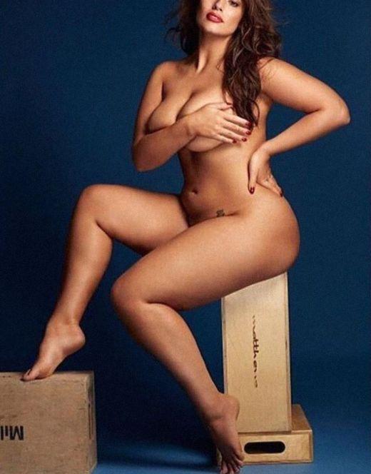 Голая Эшли Грэм в эротических фотосетах